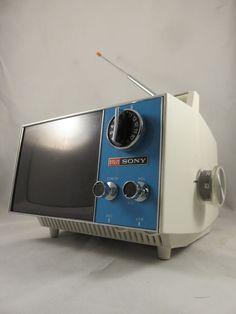 Mid Century Modern SONY PORTABLE MINI TV Vtg SPACE AGE Television PANTON ERA