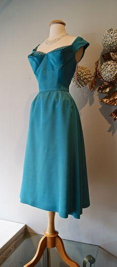 vintage 1950's dress at Xtabay.