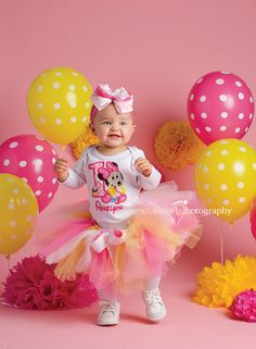 Minnie Mouse 1st Birthday Cake Smash! Pink and Yellow