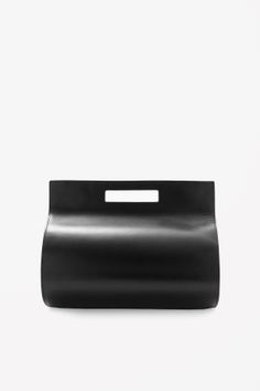 Minimal + Classic: Rounded leather bag | COS
