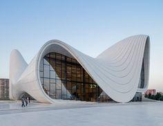 Nas ondas incríveis de Zaha Hadid