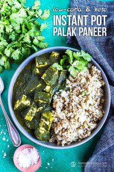 This quick and easy low-carb palak paneer is a tasty Indian dish that can be made in under 20 minutes! #keto #lowcarb #primal #vegetarian #ketodiet #indian #glutenfree #grainfree
