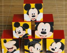 06 CUBOS MICKEY Mickey Party, Mickey Mouse Party Decorations, Mickey Mouse Clubhouse Cake, Minnie Y Mickey Mouse, Minnie Birthday, Birthday Parties, Mimi Y Mickey, Party In A Box, 1st Birthdays