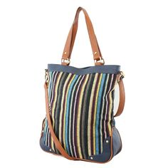 Relax at the beach with this summery tote bag.