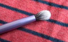 Real Techniques essential crease brush review