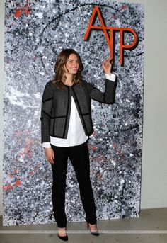 """EVENTS: Stana Katic - """"In Her Shoes: Women In A Car-free L.A."""" (2015)"""