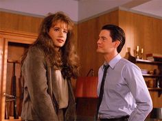 Denise Bryson(David Duchovny) with Dale Cooper(Kyle Maclachlan) Film Science Fiction, David Lynch Twin Peaks, Kyle Maclachlan, Love Twins, Laura Palmer, Between Two Worlds, David Duchovny, Blu Ray, Great Films