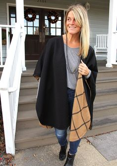 Looking for the perfect handmade Christmas gift to make for your sister, Mom, or bestie? I've gotcha covered. MAKE THIS!!! Ponchos are back in style, and let me just tell you – this poncho is all sorts of AWESOME. Fully reversible, this poncho is the perfect cover up for looking chic while on the go. …