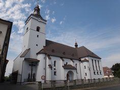 Jablunkov boční pohled na kostel Božího Těla