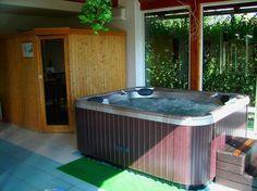 trivago: ´s Werelds beste hotel zoekmachine en hotelprijsvergelijker Tub, Hotels, Outdoor Decor, Home Decor, Bathtub, Decoration Home, Room Decor, Soaking Tubs, Interior Design