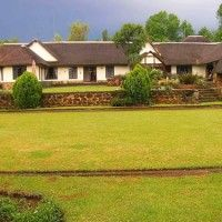 The Lodge @ Currys Post luxury B&B and self-catering accommodation in the heart of the KZN Natal Midlands. Situated on a 40 hectare farm with vies of the Karkloof Mountains.