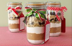 Cookie Mix in a Jar Christmas Gifts!