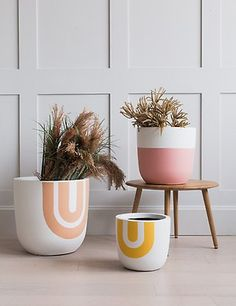 Rainbow Print Fibre Clay Plant Pots- Three Sizes Available Exclusive to Rose & Grey! Our new rainbow plant pots are designed to be just as interesting as the plants inside them. Plain terracotta pots these are not! The pots are made from fibreclay, Des Fleurs Pour Algernon, Potted Plants, Indoor Plants, Pots For Plants, Indoor Garden, Painted Plant Pots, Ceramic Plant Pots, Painting Terracotta Pots, Terracotta Plant Pots