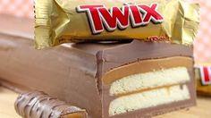 Giant Twix no-bake cake Torta Twix, Twix Cake, Yummy Treats, Delicious Desserts, Sweet Treats, Yummy Food, Food Cakes, Giant Twix Bar, Giant Candy Bars