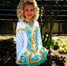 Blue dress meaning 633 Irish Step Dancing, Irish Dance, Mermaid Dresses, Dance Dresses, Pretty Dresses, Blue Dresses, Everybody Dance Now, Celtic Dress, Dress Meaning