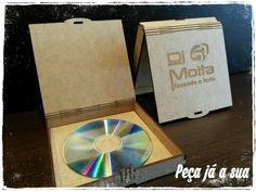 Porta CD, DVD, presente perfeito para seus amigos e fãs. #djs #djset #dj #bartender #party #markahbrasil #deejay #jundiaí #coisalinda