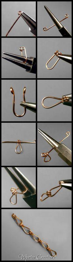 Horseshoe (Raindrop) Chain Tutorial - new season bijouterie Wire Jewelry Designs, Diy Jewelry Tutorials, Jewelry Patterns, Metal Jewelry, Jewelry Crafts, Jewlery, Horseshoe Jewelry, Handmade Wire Jewelry, Wire Crafts