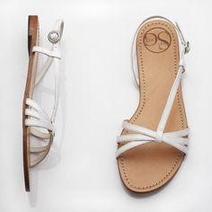 Stry Flat Sandals Wedding Shoe Idea Bridesmaids Too So Everyone Is Comfy