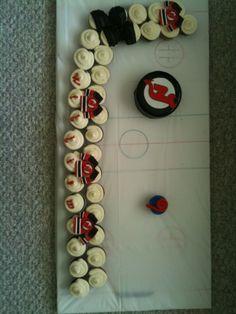 Cupcakes cakes pull apart hockey 62 ideas for 2019 First Birthday Cupcakes, Wedding Cakes With Cupcakes, Cute Cupcakes, Party Cakes, Cupcake Cakes, 2nd Birthday, Hockey Birthday Parties, Hockey Party, Sports Party
