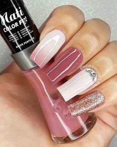 Nail Tip Designs, Nail Art Designs Videos, Stylish Nails, Trendy Nails, Nail Paint Shades, Pink Holographic Nails, Pink Nail Colors, Cute Nails For Fall, Line Nail Art