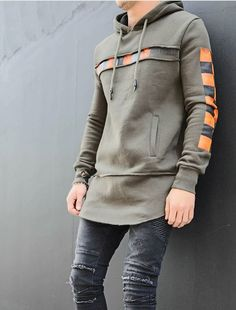 New Sweatshirt Outfit Hoodie Jeans Ideas Sweatshirt Outfit, Sweatshirt Refashion, Hoodie Sweatshirts, Hoody, Hipster Outfits, Streetwear Fashion, Legging Outfits, Sweaters And Jeans, Men's T Shirts