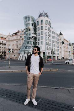 Dancing House (Tančící dům) – Prague Photo Location, Prague, Cool Photos, Dancing, In This Moment, House, Instagram, Dance, Haus