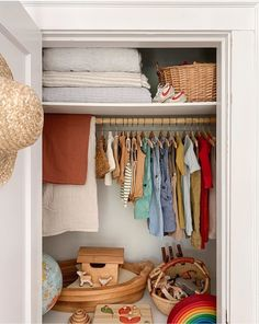 (via Burts Bris) Kids' Closet Storage Ideas