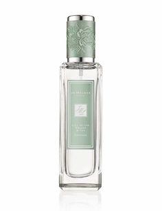 Lily of the Valley & Ivy http://www.vogue.fr/beaute/buzz-du-jour/diaporama/la-collection-de-parfums-rocks-the-ages-de-jo-malone/19811#la-collection-de-parfums-rocks-the-ages-de-jo-malone
