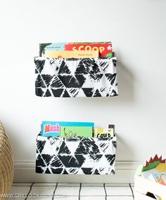 Quick tutorial on how to make a diy book sling for kids book storage