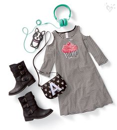 Sweet style: a striped open-shoulder dress with a cupcake on top!