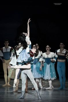 Mayuko Nihei as Giselle with Erick Rodriguez as Albrecht in the mad scene from Act 1 of Compañía Nacional de Danza's Giselle. Photo by Carlos Quezada