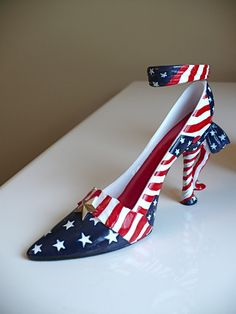 """AMERICANA""  Shoe/High Heel J.STRAIT Pendulum Clock, Kitten Heels, High Heels, Brand New, Easter Decor, Gifts, Shoes, Black, Design"