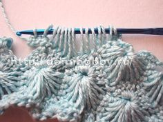 """nice crochet stitch - with diagram - to have a tutorial with pictures click on """"cliquez ici""""!"""