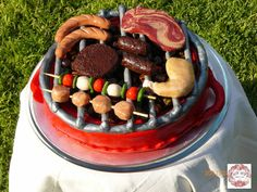 BBQ Cake, yes everything is made of fondant.