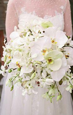 Wedding bouquet idea; Featured Photographer: Almond Leaf Studios