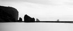 Proposant des paysages de l'Islande tels qu'on de les a jamais vus, un très gros coup de coeur pour cette superbe série de clichés en noir et blanc shootée par le jeune photographe allemand Michael Schlegel …