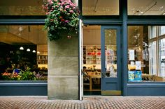 The London Plane - - The Little London Plane: what a charming space!