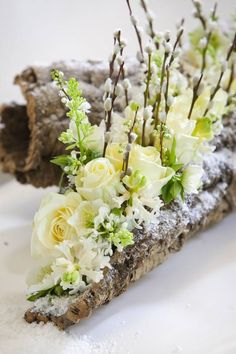 Ideas for wedding design ideas flower arrangements ikebana Christmas Flower Arrangements, Christmas Flowers, Winter Flowers, Flower Centerpieces, Fresh Flowers, Spring Flowers, Flower Decorations, Wedding Centerpieces, Beautiful Flowers