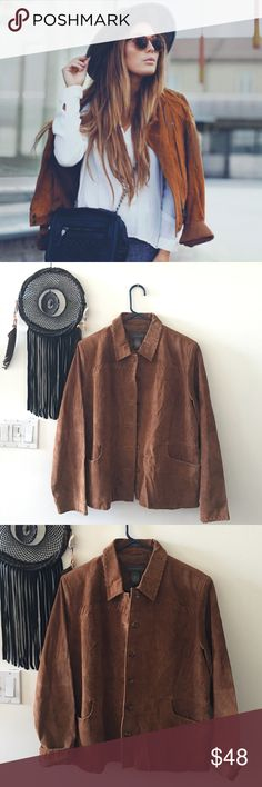 70's Brown Suede Jacket🌵 Get the look! This 70's brown suede jacket is beautiful, in perfect condition, size large but can fit a medium if you like it a bit oversized too. I would wear this piece with a pair of bells, or skinny jeans and ankle boots. It's so good. And the color of suede is gorgeous! It is a bit wrinkled, but you can just steam it no problem. Beautiful piece. Vintage Jackets & Coats