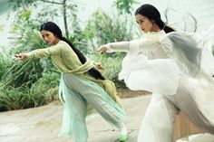 Charlene CHOI and Eva HUANG in THE SORCERER AND THE WHITE SNAKE, a Magnet Release.  Photo courtesy of Magnet Releasing