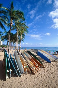 Surfboards on Waikiki Beach, Oahu, Hawaii. DiCentes we should totally attempt to surf if we ever go to Hawaii! Places To Travel, Places To See, Mahalo Hawaii, Beach Pink, Summer Beach, Waikiki Beach, Honolulu Hawaii, Aloha Hawaii, Kauai