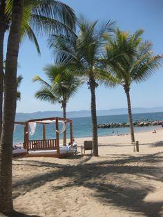 Get a villa on beach #puertovallartaspringbreak #inertiatours