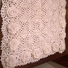 Free pattern; crochet; Roses Remembered Afghan