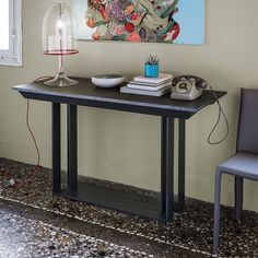 Party extending console table for up to 12 guests by Cattelan