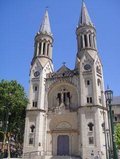 The Basilica of the Holy Spirit Parish church of Our Lady of Guadalupe is a Catholic church in Argentina which rises in the north of the City of Buenos Aires, in the heart of Palermo. (V)