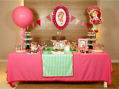 Festa da Moranguinho é festa para uma doce mocinha! Birthday Table, 3rd Birthday, Birthday Ideas, Strawberry Shortcake Doll, Festa Party, Ideas Para Fiestas, Malu, Party Cakes, First Birthdays