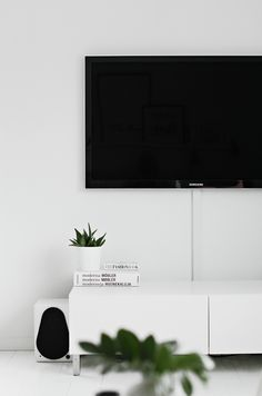 tv room white modern