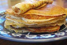 Pannekoeken Dutch Pancakes- Kid World Citizen (sunday brunch waffles) Waffle Recipes, Gourmet Recipes, Snack Recipes, Cooking Recipes, Kid Cooking, Pancake Recipes, Dutch Pancakes, Pancakes And Waffles, Roasted Pear