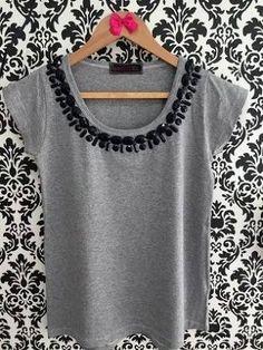 Ideas for t-shirt femininas customizadas – T-Shirts & Sweaters Shirt Logo Design, Shirt Designs, Sewing Clothes, Diy Clothes, Shirt Dress Pattern, Shirt Makeover, Diy Fashion, Womens Fashion, Diy Tops