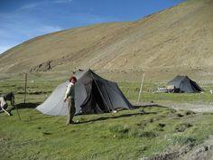 Tibet, south-west, nomads near base camp Mount Everest